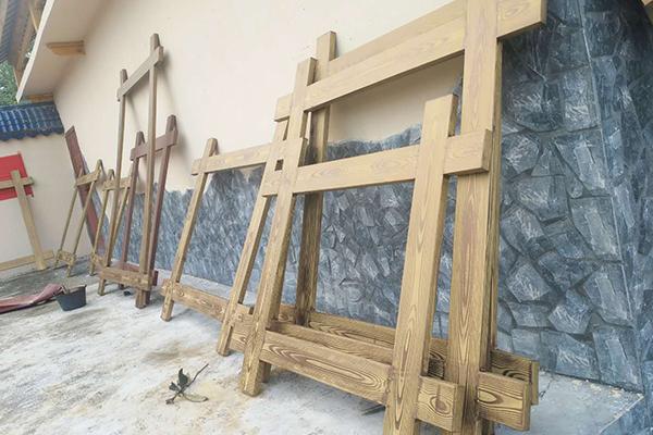 广西来宾合山市城中四街钢构门头+钢构窗框仿木