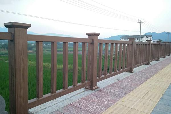 浙江温州市永嘉县水街烟头古村钢构护栏仿木纹