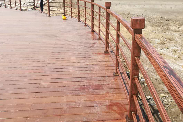 青岛市黄岛区青岛西海岸出口加工区钢构护栏仿