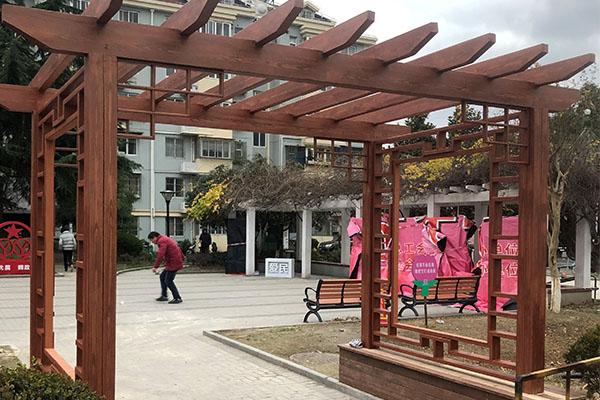 上海静安区水泥廊架木纹漆施工案