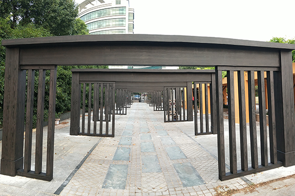上海高行镇缤纷社区市民广场混凝