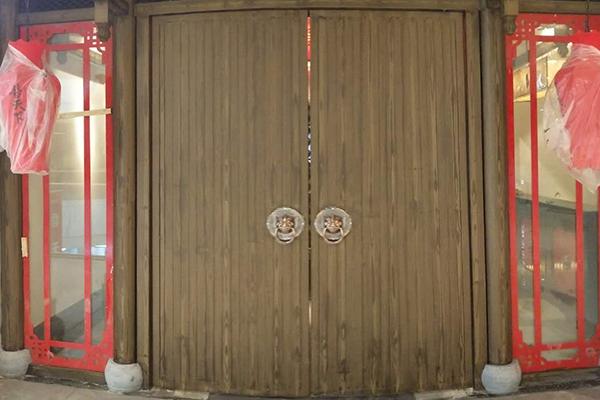 巢湖市万达广场香天下火锅镀锌圆柱项目