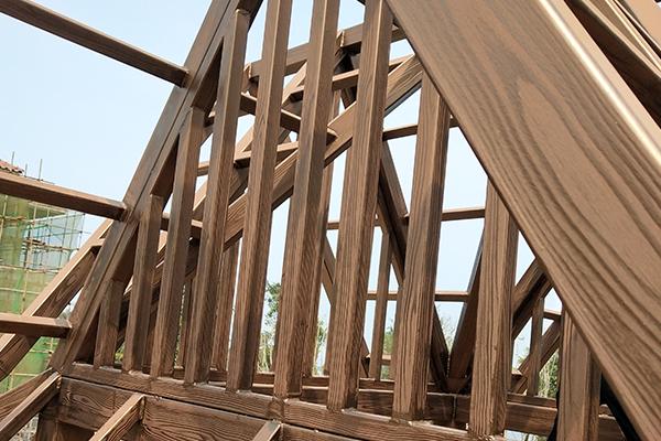 海南海花岛七星酒店廊架木纹漆施工案例