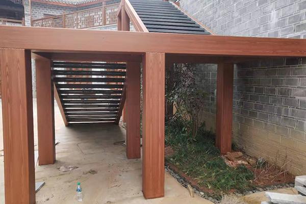 樟树市三皇宫历史旅游文化街仿木纹漆施工